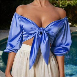 La moda del chaleco de conejo online-Verano Pure Color Mid-sleeve Sexy Bare Midriff Fashion Nudo de conejo expuesto al hombro con cuello en V Chaleco casual Ropa de mujer