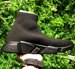 2019 semelles noires Boutique Designer Speed Trainer - Chaussures de baskets, y compris les baskets Triple S, Speed Sock comme la semelle texturée en tricot stretch rouge blanc promotion semelles noires