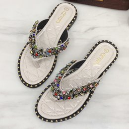 Lindas zapatillas de oso online-Chanclas de verano de diseñador para mujer Bling Cute Bear Sandalia de playa Zapatillas planas para mujer Zapatos de mujer Chanclas chanclas 2019 buty damskie