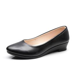 Ocasionais, barco, sapato, cunhas on-line-Mulheres Sapatilhas de Balé Mulheres Negras Cunhas Casuais Sapatos de couro PU Sapatos de Barco de Trabalho de Escritório Sapatos Mocassins Doces Sapatos Femininos Clássicos