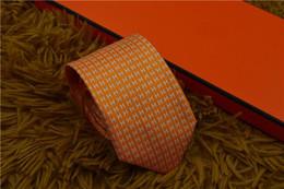 15 cor venda quente Top tie homem casual gravata de seda 7.5 cm laços de design de gravata de negócios vem com caixa para gife a-067 de Fornecedores de listras brancas pretas gravata