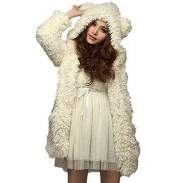 Casaco branco de pelúcia on-line-Autumn Mulheres Inverno Quente Furry Coats Moda Ear Urso bonito Brasão Plush Grosso com capuz Preto Branco Casacos Casacos 6Q2458