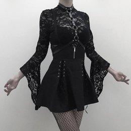 Deutschland Rosetische Frau setzt schwarz zweiteilige goth sexy Spitze Bodysuit Strampler eine Linie Kleid Hosenträger schnüren durchsichtig Club Wear Girl Set cheap sexy girl wearing see through dress Versorgung