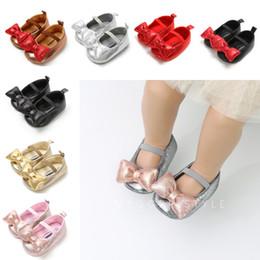 2020 diseño de zapatos de niños de cuero Mocasines de pajarita para bebé 8 Diseño Cute Heart Bow Baby Prewalker Zapatos de cuero de PU para niños para niños Niñas Suave suela antideslizante 04 rebajas diseño de zapatos de niños de cuero