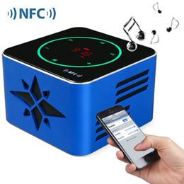 2019 radio sensible KR - 8100 NFC Sonido 3D Bluetooth inalámbrico V3.0 Pantalla LED Sensible a la luz Botón táctil Soporte para NFC con micrófono incorporado Voz rebajas radio sensible