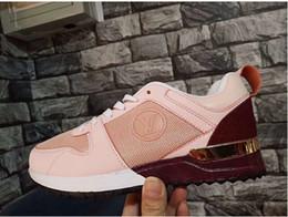 NOVAS Sapatilhas de Luxo Designer Mocassins 2019 Mulheres Homens sapatos de desporto Moda Formadores Beathais Unisex tênis para caminhada ao ar livre sapatos de caminhada Zapato de