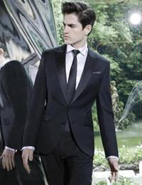 Elegante chaqueta de esmoquin negro online-Diseño elegante esmoquin novio Dos Botón Negro pico solapa padrinos de mejor juego del hombre Trajes de boda para hombre (Jacket + Pants + tie) 4259