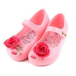 melissa schuhe grün Rabatt Melissa Kinder Sandalen Mini Rose mit grünen Blättern gedruckt 2018 Mädchen Schuh New Beauty Beast Jelly Princess Rain Schuhe aus weichem Kunststoff