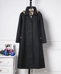 С капюшоном ветровка дамы длинное пальто сплошной цвет съемная шляпа водонепроницаемый британский аристократический ветер куртка осень и зима пальто от