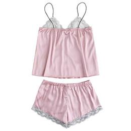 Chica caliente sexy de seda online-2019 Moda Sexy Chicas de Moda Lindo de Encaje Bordado Seda Pantalones Cortos Pijama Conjunto Camisón Elegante Diseño Ropa de Dormir Caliente