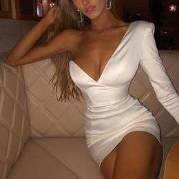 vintage schwarze silk kleid Rabatt 2019 neue Sommer-Frauen einer Schulter-Berühmtheit Abend-Partei-Kleid-reizvolle weiß lange Hülse Bodycon-Verein-Kleid Vestidos Femme