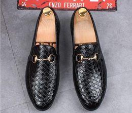 d3fe34b00d 2019 sapatos de cavalo preto NEWwedding sapatos de moda Homecoming homens  preto cavalo bit fivela designer
