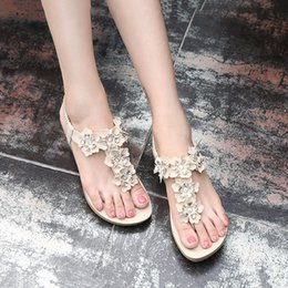 Sandals Womens 2020 New Flower Rhinestone Flat Shoes Seaside Bohemian Style Student Causal Sandals Large Size 35 42