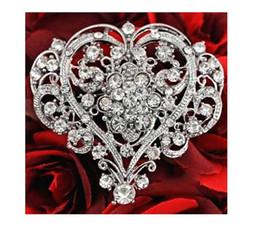 porcos rápidos Desconto Novo designer de mulheres requintado diamante acessórios grande amor Broche moda moda feminina elegante em forma de coração broche de jóias