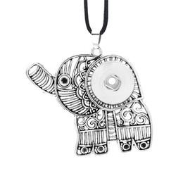 Deutschland Hot Austauschbare Blume Elefant Ingwer Halskette 010 Fit 12mm 18mm Druckknopf Anhänger Halskette Charme Schmuck Für Frauen Geschenk Versorgung
