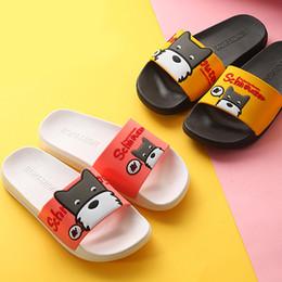 Zapatos rosa para perros online-Zapatillas de verano para mujer Zapatillas de suela blanda Perro de dibujos animados lindo Zapatillas de casa Resbalón en las sandalias planas del talón Zapatos de las mujeres Bothe Chanclas