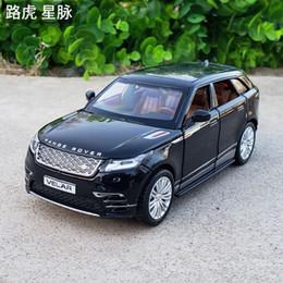 grandes voitures Promotion 1:32 Échelle Moulé Sous Pression En Alliage En Métal De Luxe SUV Modèle De Voiture Pour Range Rover Velar Collection Véhicule Tout-Terrain Modèle SoundLight Jouets De Voiture