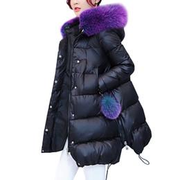 Chaquetas de plumas moradas online-Mediados de longitud de las mujeres con cuello morado grande Con 90% de plumón Parka Hembra chaqueta larga de invierno
