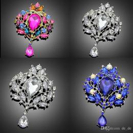 Розовый большой букет онлайн-Оптово-3 варианта ярко-розовый кристалл брошь шарф клипы ювелирные изделия мода большие броши для элегантных женщин броши для свадебных букетов