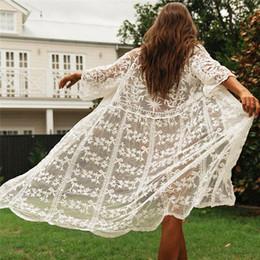 weiße mesh-spitze kleidet frauen Rabatt Frauen Sexy Lace Bikini vertuschen elegante Strandkleid Flroal Kimono Cardigan Mesh Tunika Kaftan Damen Transparent White Beachwear