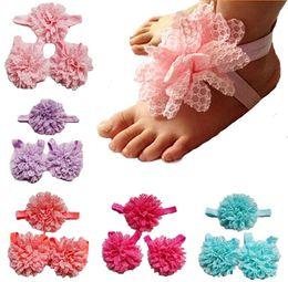2019 faixas de pé de flor de bebê Chegada nova crianças sandálias de flores bebê com os pés descalços sandálias bebê banda pé pulseira sandálias com os pés descalços dobras de flores de chiffon faixas de pé de flor de bebê barato