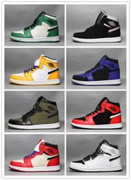 Canada 2019 Nouveau 1 OG Hommes Chaussures De Basketball Chicago Noir ciment Blanc Armée Vert Pourpre 1s Femmes Designer Chaussures Sneakers 36-46 Avec la boîte cheap army green sneakers Offre