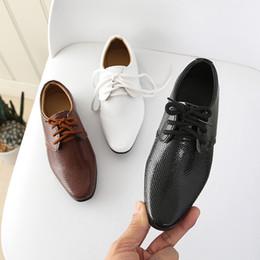 zapatos de cuero modernos Rebajas Muchachos de cuero de moda los zapatos de los niños modernos chicos Negro ate para arriba programables Ejecutan zapatos de baile del talón cuadrado latino Tango XZ19087