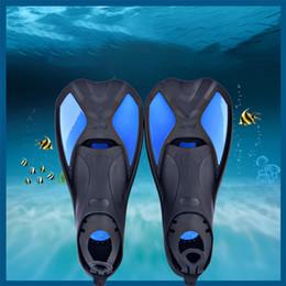 2019 flippers di nuoto per adulti Snorkeling Immersioni Nuoto Pinne Scarpe Piede Flipper Silicone Adulto Professionale Flessibile Comfort Antiscivolo Pinne Nuoto flippers di nuoto per adulti economici