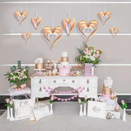 Sfondi di cuore online-Ciondolo a muro 3D per la casa Carta d'oro Amore a forma di cuore Decorazione di giorno di San Valentino Forniture per gli ornamenti di sfondo del partito Durevole 6 5jks BB