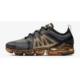 Zapatillas de correr ligeras online-Nike Air Max vapormax 2019 venta al por mayor de calidad superior 14 colores Fly Racer zapatillas para hombres de las mujeres, zapatillas de deporte al aire libre ligero transpirable Eur 36-45