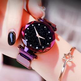 Marca de relojes de cuarzo de superficie online-Relojes de primeras marcas para las mujeres Oro rosa Imán de malla Hebilla Reloj de cuarzo estrellado Superficie geométrica Casual Mujeres Reloj de pulsera de cuarzo