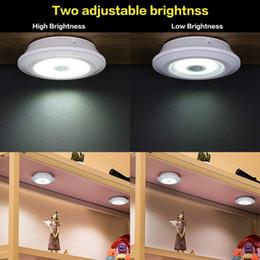 Yaratıcı küçük uzay aydınlatma COB dokunmatik lamba kabine uzaktan kumanda ile pat lamba kuyruk kutusu lambası nereden