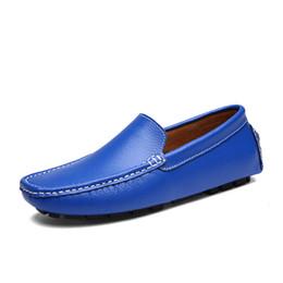 2020 королевская кожаная обувь Высокое качество Мужчины Мокасины Real Leather Shoes Royal Blue Мода Мужчины Лодочные обувь Марка Мужчины Повседневная кожа обувь Самец Flat кроссовки Размер 39-44 дешево королевская кожаная обувь