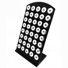 2019 деревянная подвеска Ювелирные аксессуары Дисплей упаковки ювелирных изделий 18-мм кнопочный дисплей Хорошее качество Черный Acylic DIY