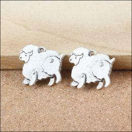 al por mayor encantos de ovejas Rebajas Alta calidad 4 unidades / lote 18 mm * 21 mm plata antigua plateada aleación de metal que hace la joyería de los encantos de las ovejas que hace al por mayor