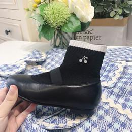 Pelle di ciliegio nero online-Nuova pelle principessa di modo delle ragazze di avvio scarpe per bambini neri amarena Calze Scarpe Per Ragazze