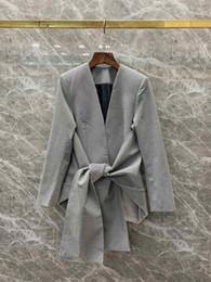2019 Otoño temprano Nueva mujer V-collar con cintura atada a cuadros traje de manga larga chaqueta corta 727 desde fabricantes