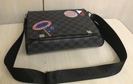 Dimensioni delle borse scolastiche online-2018 DISTRICT PM Alta qualità nuovo 2 formato famoso marchio classico designer moda uomo messenger borse cross body bag sacchetto di scuola bookbag a tracolla