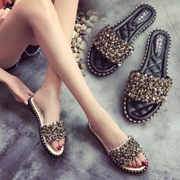 2019 sandálias de verão femininas Sandálias das mulheres Flips Flops Estilo Verão Sapatos Mulher Cunhas Sandálias Moda Rivet Cristal Plataforma Slides Femininos Sapatos de Senhoras 3289 desconto sandálias de verão femininas