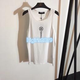 Blusa bandolera online-De gama alta de las mujeres de verano de algodón camisetas camiseta con letra SLEEVELESS chaleco de verano camisas básicas correas de hombro ancho blusa chaleco 2color camiseta