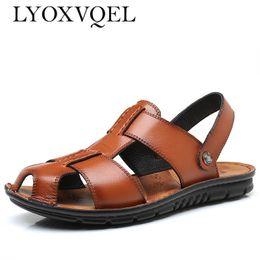 Zapatos de playa 47 online-Sandalias de cuero para hombre Zapatos de playa antideslizantes Hombre Zapatillas Tamaño grande 38-47 M357