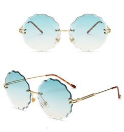 óculos de sol da flor Desconto Novas Flores Frameless Aparar Óculos De Sol Da Moda Mulheres Óculos de Sol Decoração Senhoras Lentes Coloridas 7 Cores Muito Graciosa Óculos