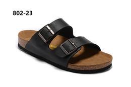 chaussures en daim nubuck pour hommes Promotion Designer Arizona 2018 Vente chaude été Les femmes et les hommes noirs blancs sandales plates Des chaussures tout-aller en liège unisexes décontractées impriment des couleurs mélangées