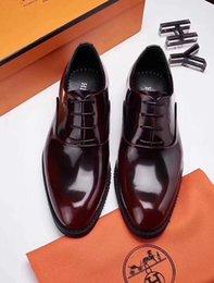 2019 ботинки платья ручной работы для мужчин 18ss коричневый черный ручной работы мокасины мужчины туалетная обувь дизайнер Мужская обувь мужская свадебная обувь мужская размер 38-45 с коробкой дешево ботинки платья ручной работы для мужчин