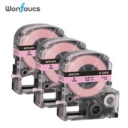 formatador hp Desconto 3PK Compatível Kingjim LabelWorks cetim Fitas de etiqueta LK-4LBK SFR12PK 12 milímetros preta no rosa para LW-300 LW-600P galhardias presente