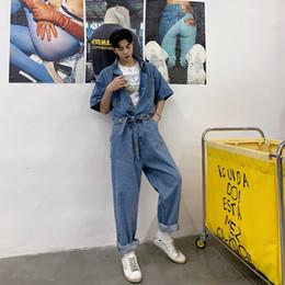 958f7cd16 Traje de mono de los hombres de la moda de la vendimia Streetwear Hip Hop  Casual Jumpsuit Jeans Hombre de manga corta Denim Harem Pant barato  pantalones ...
