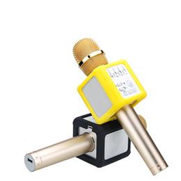 1 adet Q9S + 3D Stereo Bluetooth Kablosuz Mikrofonlar Sesli Yazı Tipleri Ile Karaoke KTV Hoparlör Q9 iPhone Android Perakende paket Için Yükseltilmiş nereden