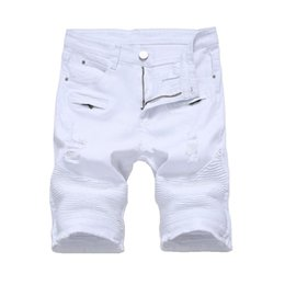 Mens vermelho shorts jeans on-line-Verão Mens Denim Shorts Fino Casual Na Altura Do Joelho Curto Buraco Jeans Shorts Para Homens Hetero Bermuda Masculina Branco Preto Vermelho Y19050501