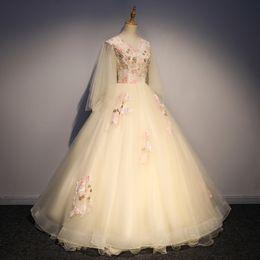 abito lungo bordato con ricami a farfalla, abito da ballo, abito rinascimentale, abito royal royal rinascimentale da