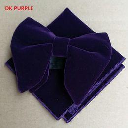 Bowtie viola di mens online-Classico Mens Dk Purple Velvet Bowtie Imposta Hanky Unique Tuxedo Papillon Hanky Necktie Accessaries